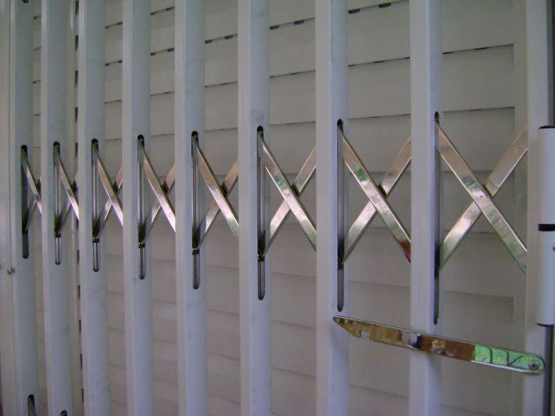 Folding stainless steel aluminum coated safety Type-120-3